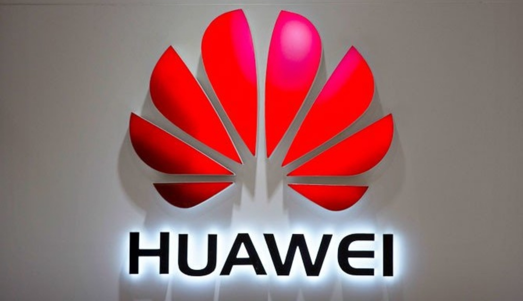 Huawei Smartphone Banned From Google Play Store Access, App